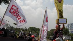 Aksi damai ini digelar terkait sikap Presiden SBY dalam undang-undang pemilihan kepala daerah, Jakarta, (30/9/14). (Liputan6.com/Faizal Fanani)