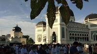 Ratusan umat muslim di Kota Medan, Sumatera Utara (Sumut) melaksanakan Salat Idul Adha 1442 Hijriah di Masjid Raya Al-Mashun