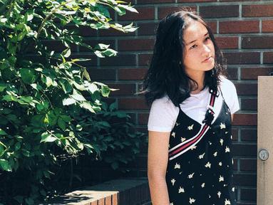 Terpaut usia tiga tahun dengan Salsha, Nabila saat ini berusia enam belas tahun. (Liputan6.com/IG/@salshabillaadr)