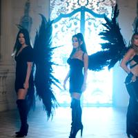 Ariana Grande, Miley Cyrus dan Lana Del Rey di MV Don't Call Me Angel (YouTube)