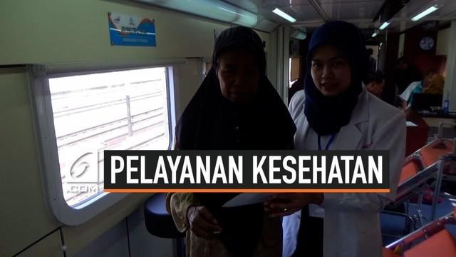 PT KAI Daop 7 Madiun melaksanakan bakti sosial dengan menyediakan pelayanan kesehatan di atas kereta api secara gratis bagi warga di Ngawi, Jawa Timur.