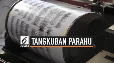 Petugas pemantau gunung Tangkuban Parahu masih merekam aktivitas erupsi kawah Ratu hari Jumat (2/8) pagi. Kawasan kawah disterilisasi hingga jarak 4 Kilometer.