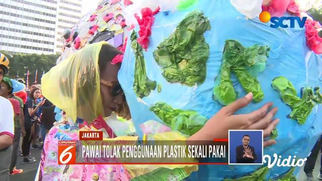 Penggunaan plastik di Indonesia masih berada di angka yang sangat tinggi 64 juta ton per tahun.