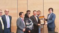 Ketua DPR Bambang Soesatyo dan rombongan dalam pertemuan bilateral dengan Ketua Parlemen Georgia Khobakhidze Iraklli di Jenewa, Swiss, Minggu (25/3/2018). (Ist)