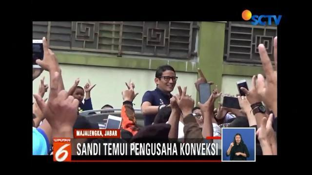 Safari politik di Majalengka, Jawa Barat, Sandiaga Uno minta maaf tak bisa turun dari mobil saat pendukung mendekat.