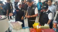 Anies ABswedan melepas bantuan untuk korban Gempa Lombok (Liputan6.com/Nanda Perdana)