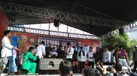 Gubernur DKI Jakarta Ahok meresmikan Festival Palang Pintu di Kemang, Jakarta Selatan. (Liputan6.com/Nanda Perdana Putra)