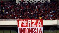 Sekitar 35 ribu suporter memenuhi Stadion GBK Jakarta, Senin (5/5/2014). (Liputan6.com/Helmi Fithriansyah)