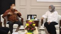 Menaker Ida Fauziyah menerima Direktur Utama PT PNM, Arief Mulyadi, di Kemnaker, Jakarta, Senin (1/3) (dok: Kemenaker)