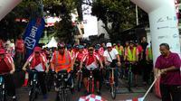 Menko Darmin melepas rombongan sepeda santai memperingati HUT ke-72 RI (Foto: Fiki/Liputan6.com)