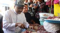 Saifullah Yusuf (Gus Ipul) memanfaatkan masa kampanye untuk mengunjungi Pasar Lawang dan Singosari di Kabupaten Malang dengan memperkenalkan cara mencoblos yang benar kelak ketika di TPS dan pilih yang di sebelah kanan.