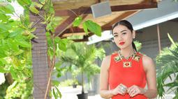 Lipstik merah di bibirnya membuat Selfi 'KDI' semakin menawan, Jakarta. Foto diambil pada Selasa (23/12/2014). (Liputan6.com/Panji Diksana)