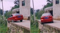 Viral video putar balik mobil (Sumber: TikTok/michaellu65)