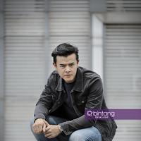 Eksklusif Dion Wiyoko.(Fotografer: Adrian Putra, Stylist : Indah Wulansari, Digital Imaging: Muhammad Iqbal Nurfajri/Bintang.com)