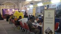 Sapuhy, Forpuhy, dan Kanwil Kemenag DIY menggelar pameran perjalanan haji dan umrah di Jogja City Mal untuk memberikan kepastian hukum dan jaminan keamanan perjalanan bagi calon jamaah haji (Liputan6.com/ Switzy Sabandar)