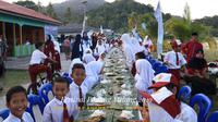 Menteri Kelautan dan Perikanan Susi Pudjiastuti hadir di Festival Padang Melang 2019. Kesempatan ini dimanfaatkan Menteri Susi untuk mengeksplorasi destinasi wisata Anambas. Ada banyak aktivitas yang dilakukan mulai dari paddling hingga berenang.