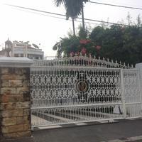 Rumah mewah yang menjadi rebutan Nia Daniati dan Farhat Abbas. (Ruswanto/Bintang.com)