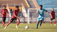 Pertandingan uji coba antara Madura United melawan Persela di Stadion Surajaya, Lamongan, Kamis (24/9/2020) sore. (Dok Madura United)