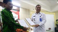 Calon pengantin di Jawa Timur wajib tes urine (Foto:Liputan6.com/Dian Kurniawan)