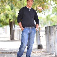Abilio Soares Salshinha sibuk dengan dunia musik sehingga pelantun tembang CLBK asal Timor Leste ini tidak bisa mengikuti wisuda.