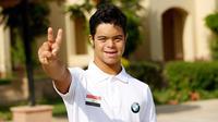 Mohamed Al-Husseini, remaja Mesir pertama dengan down syndrome yang akan berenang menyeberangi Selat Inggris. (Facebook)