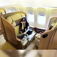 Syahrini merupakan salah satu selebriti Indonesia yang kerap mengenakan barang-barang mewah. Beberapa kali, wanita cantik ini terlihat memakai tas yang harganya ratusan juta rupiah. (Foto: instagram.com/princessyahrini)