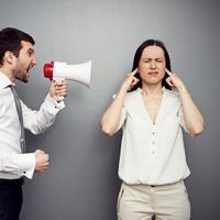 Inilah beberapa penyebab bos kamu rada-rada sentimen sama kamu. (Via: businessnewsdaily.com)
