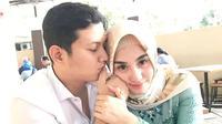 Wakil Bupati Trenggalek, Muhammad Nur Arifin bersama sang istri, Novita Hardini. (dok. Instagram @novitamochamad/https://www.instagram.com/p/Bs3OHlqgfED/Putu Elmira)