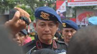 Polisi juga telah melakukan pemeriksaan tershadap sejumlah kerabat. Istri pelaku, Dewi Anggraini menyampaikan bahwa suaminya, Rabbial Muslim Nasution, ada ikut dalam kelompok-kelompok pengajian