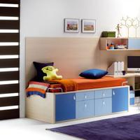 Manfaatkan sudut ruangan di rumahmu untuk ruang kerja yang nyaman.
