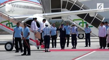 Presiden Jokowi memantau proses rehabilitasi korban gempa Lombok. Pemerintah memutuskan memotong julmah prosedur pencairan dana bantuan bencana bagi masyarakat.