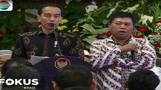 Berbagai keluh kesah disampaikan para nelayan kepada Jokowi, salah satunya seorang nelayan yang merangkap jadi kepala desa.