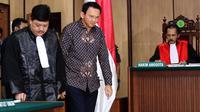 Terdakwa kasus dugaan penistaan agama Basuki Tjahaja Purnama (Ahok) menjalani sidang lanjutan di PN Jakarta Utara, Selasa (26/12). (Liputan6.com/Eko Siswono Toyudho/Pool)