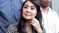 Akibat penggrebekan yang dilakukan oleh mantan suaminya pekan lalu, Tessa berharap nama baiknya yang sudah kadung tercemar atas statement dari Sandy tersebut bisa dipulihkan. (Bambang E Ros/Bintang.com)