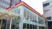 Pertamina menggandeng Alfamart mengembangkan bisnis Bright Store di SPBU di luar pulau Jawa.