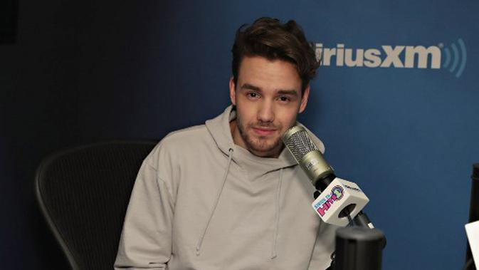 Melansir Ace Showbiz, salah satu anggota One Direction ini saat diwawancara dalam acara SiriusXM bercerita soal anaknya yang baru lahir. Tidak hanya itu, ia juga menyebut Cheryl sebagai istrinya. (AFP/Bintang.com)