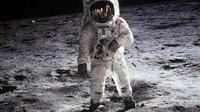 Buzz Aldrin di Bulan (NASA)