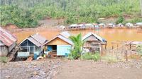 Rumah tinggal mantan manusia perahu yang berada di pinggiran teluk Morombo. (Liputan6.com/Ahmad Akbar Fua)