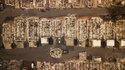 Permukiman rata dengan tanah usai kebakaran melanda Kota Paradise, California, AS, Kamis (15/11). Kebakaran ini merupakan yang terparah dalam sejarah California. (AP Photo/Noah Berger)