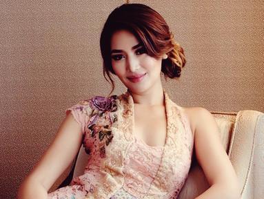 Putri Indonesia 2011 ini lahir di Plaembang 24 September 1990. Setelah memenangkan ajang Putri Indonesia ini ia pun wakili Indonesia dalam ajang Miss Universe 2012 di Las Vegas, Amerika Serikat. (Liputan6.com/IG/@mariaselena_)