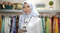 Kebaya Betawi cocok dipadukan dengan hijab cantik. Simak tutorialnya.