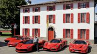 Sebelum membeli LaFerrari, Hunt sudah memiliki Ferrari GTO, F40, F50, dan sebuah Ferrari Enzo.