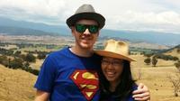 Dave mulai pindah ke Indonesia bersama keluarganya pada 1989 silam. 10 tahun yang lalu, Dave menikahi Santi Novia. Keduanya kini makin tampil mesra dan kompak. (Liputan6.com/IG/londokampung).