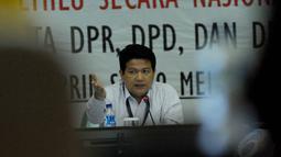 Ketua KPU Husni Kamil Manik terlihat masih memimpin Rapat pleno terbuka rekapitulasi nasional penghitungan suara yang rencananya akan digelar hingga 6 Mei mendatang.(Liputan6.com/Andrian M. Tunay)