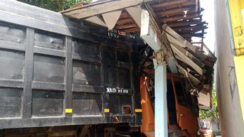 Viral Warga di Tangerang Jegat Lalu Lintas Akibat Kesal Terhadap Truk Bertonase