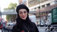 Penampilan Glamor Iis Dahlia (Sumber: Instagram//isdadahlia)