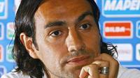 Alessandro Nesta menyebut AC Milan buruh mengubah mentalitas jika ingin bersaing di Serie A. (Guardian)