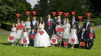 Keluarga besar di Inggris dengan 17 anak. (Daily Mail)