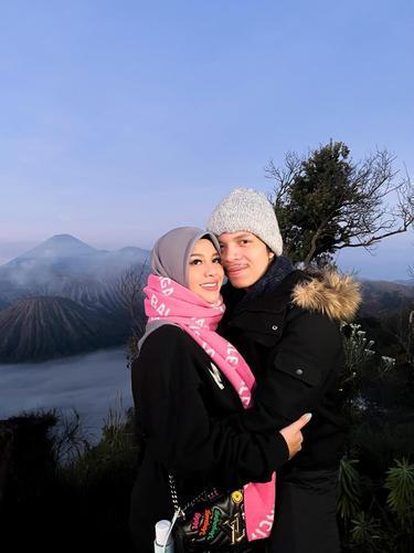 Atta Halilintar dan Aurel Hermansyah. (Foto: Instagram @aurelie.hermansyah)