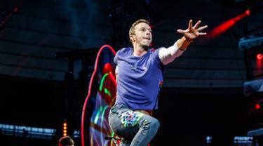 Penampilan Coldplay Berhasil Pukau Penggermar di Prancis